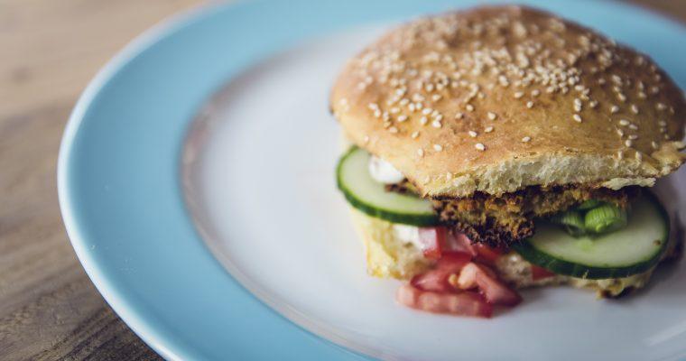 Vegetarischer Falafel Burger