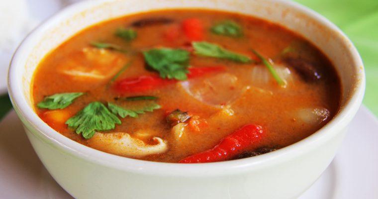 Ingwer Tomaten Suppe mit Garnelen