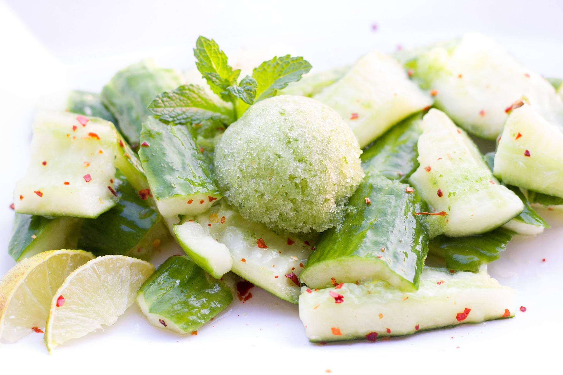 Wasabi-Eis auf Gurken