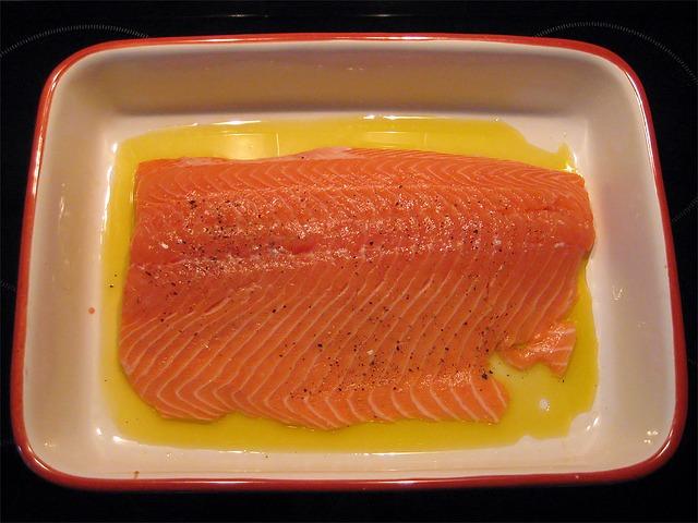 Fisch mit aromatischer Nuss-Semmelbrösel-Kruste
