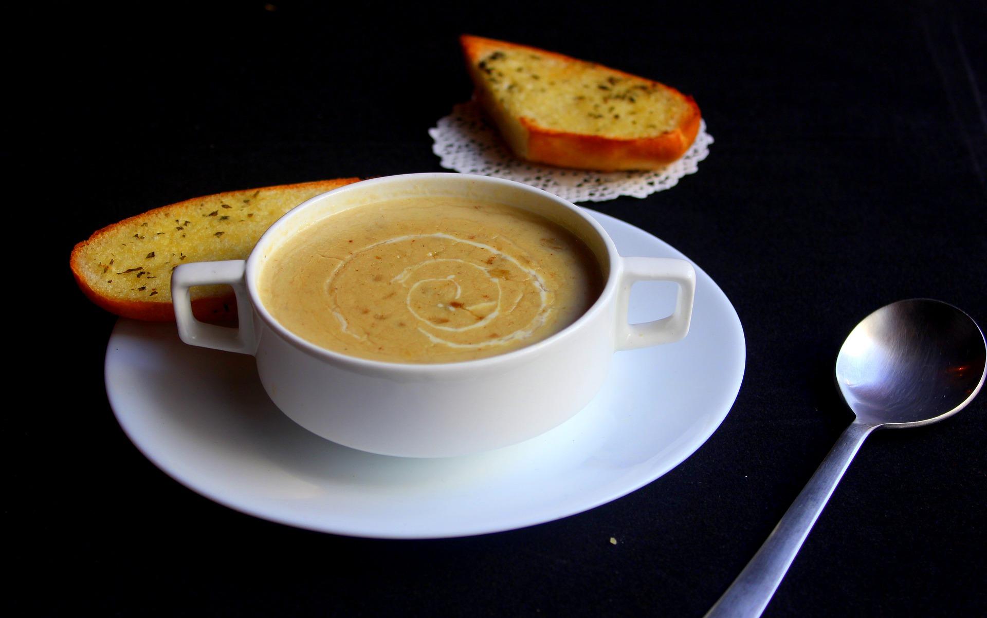 Getrüffelte Maronisamtsuppe