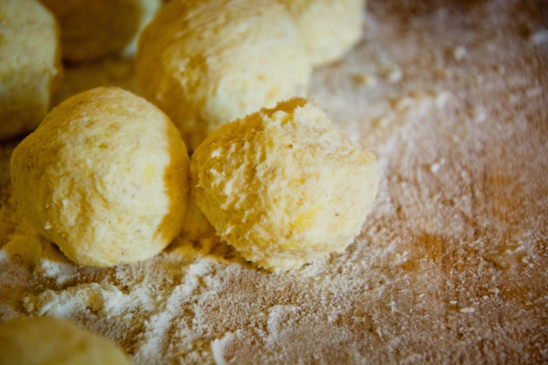 Kartoffelfrikadellen gefüllt mit Schmelzkäse